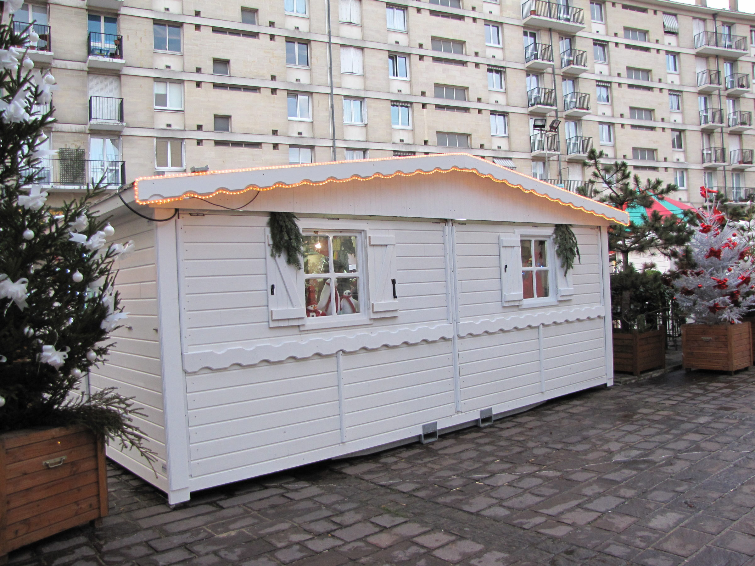 Chalet-pliable blanc de 6m - location vente marché de noel kiosque point d information billeterie buvette